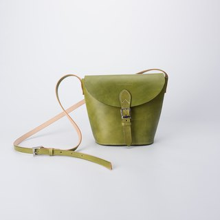 Free elephant ornaments classic handmade leather cone small saddle bag ladies leather bag Messenger bag