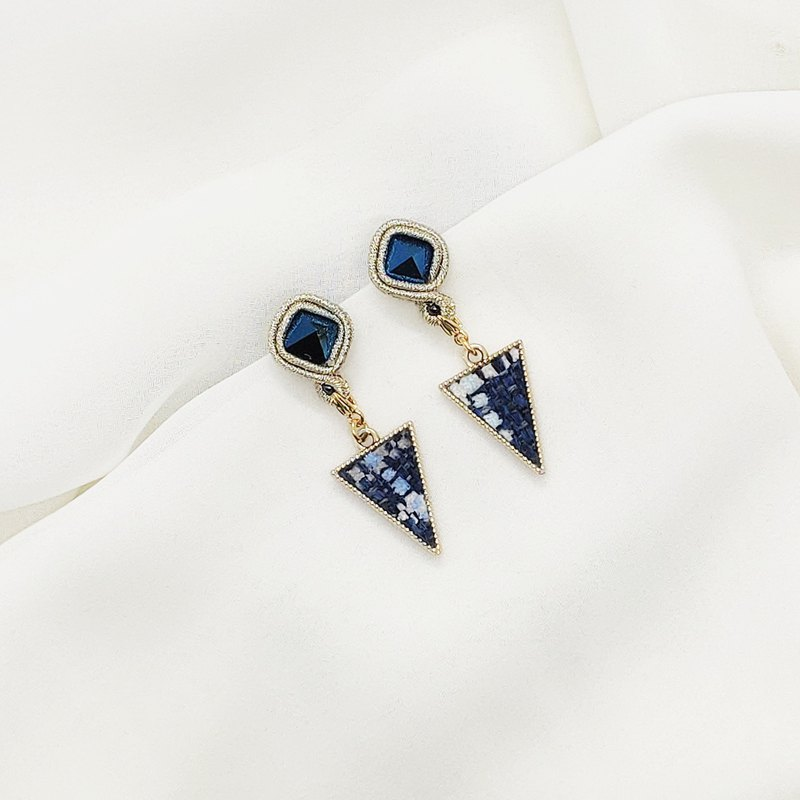 Metallic blue simple earrings