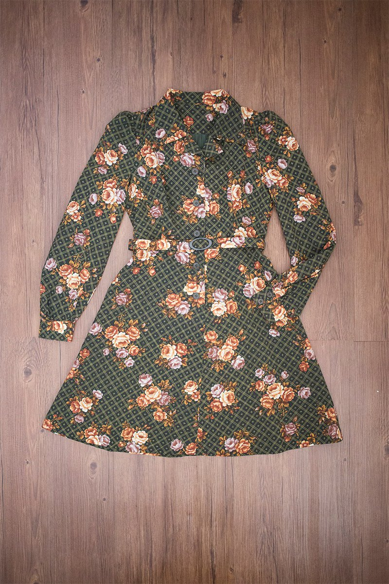 Vintage dress #2 flowers with long sleeves