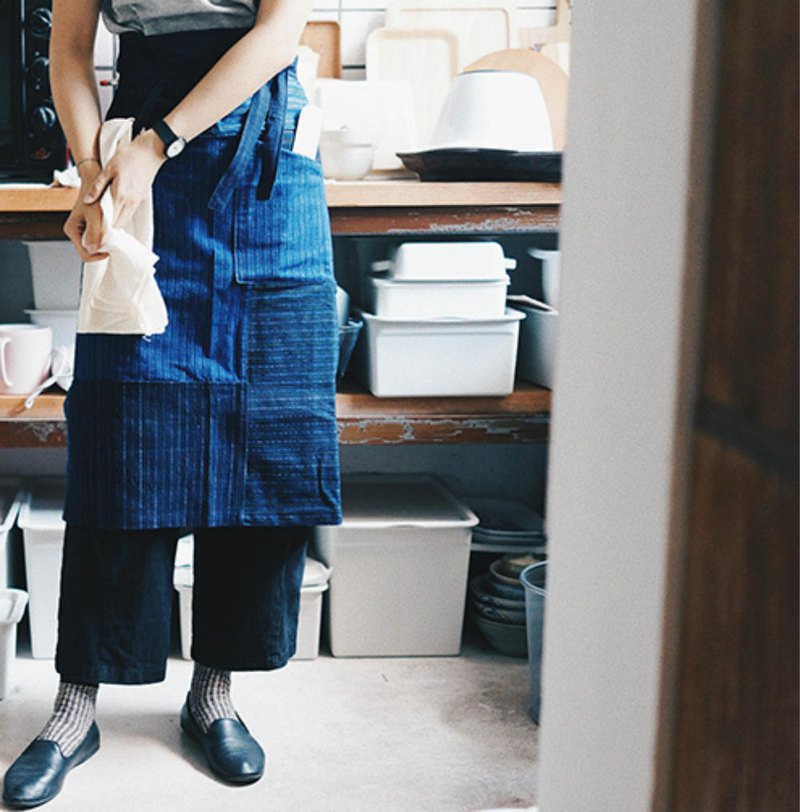 Blue dyed striped hand-woven cloth earthen cloth patchwork half-length apron retro commuter housework work apron cloth
