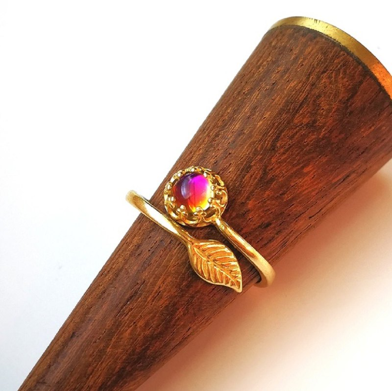 Leaf crown ring  Heliotrope Czechoslovak vintage