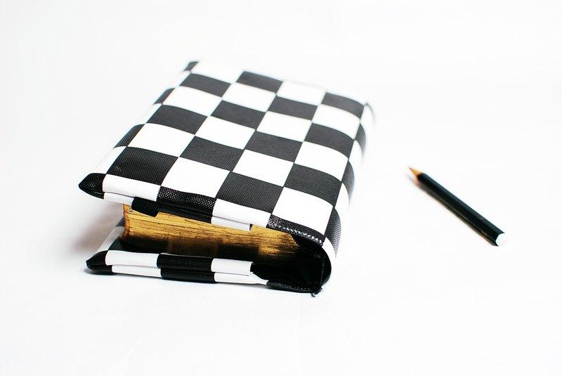 Chess。訂製聖經套/書套