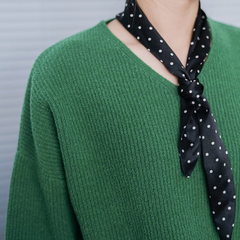 Eric Houmai | Green V-neck loose retro movie color wool blend sweater plain simple wide sleeve