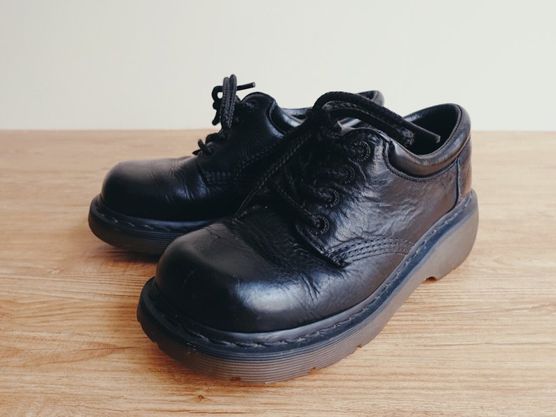 Vintage Shoes / Dr.Martens Martin / Leather shoes no.12