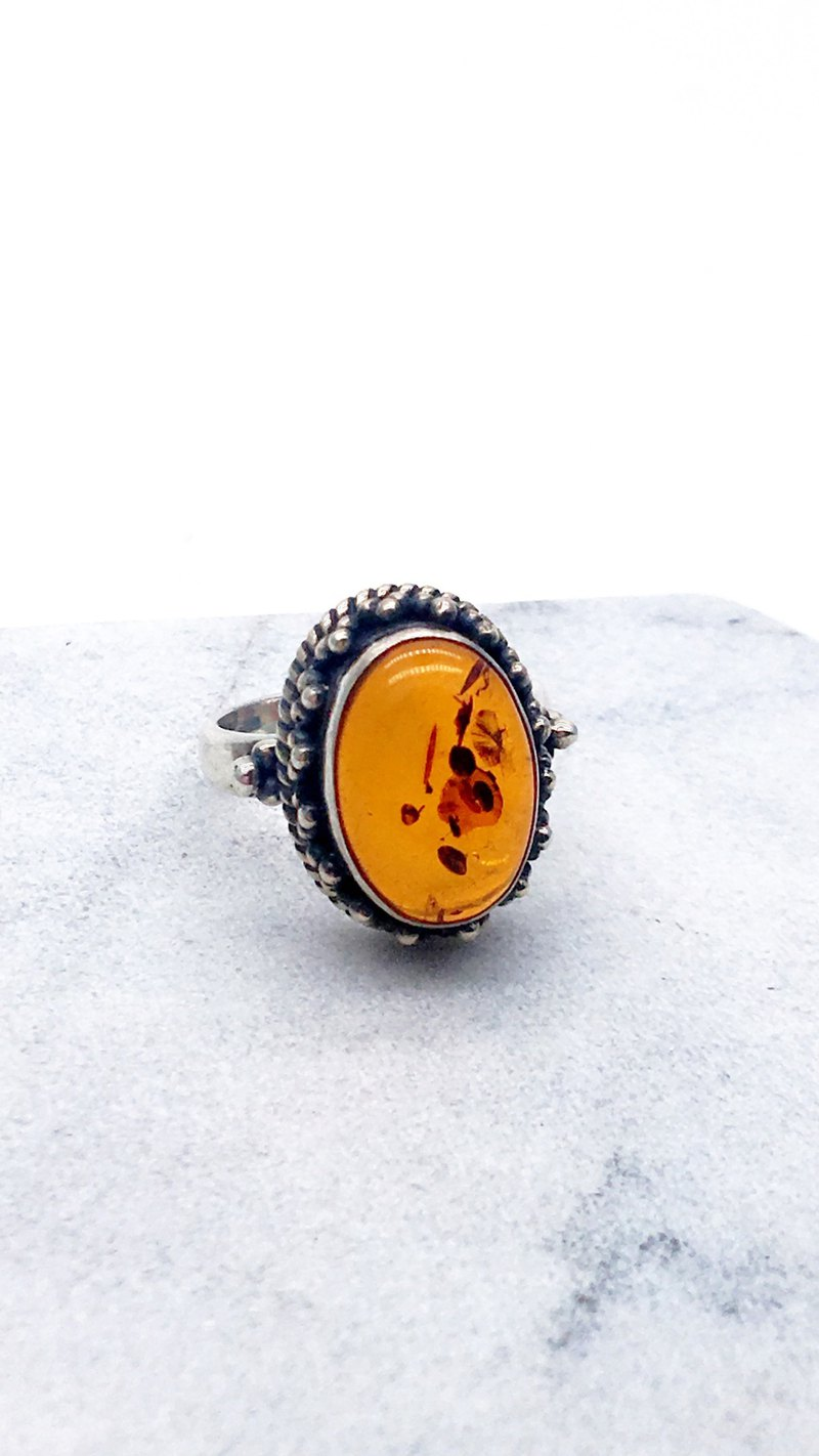 Amber sterling silver retro ring Nepal handmade mosaic production