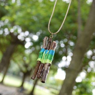 Natural handmade wooden branches necklace necklace Upcycling upgrade environmental protection and recycling - blue, green, and blue