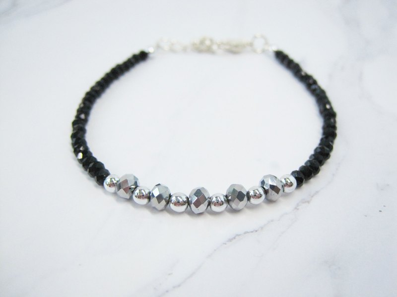 Sole Black / Metal Silver Bracelet