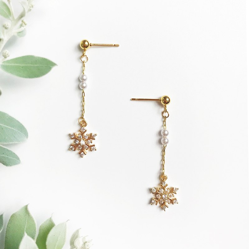 Independent original design ice snowflake romantic literary fairy elegant temperament lady literary earrings earrings