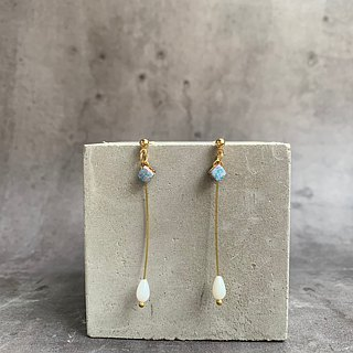 Water drops - Brass shell beads hanging elegant leather earrings