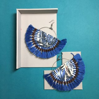 earrings : tribal fan blue