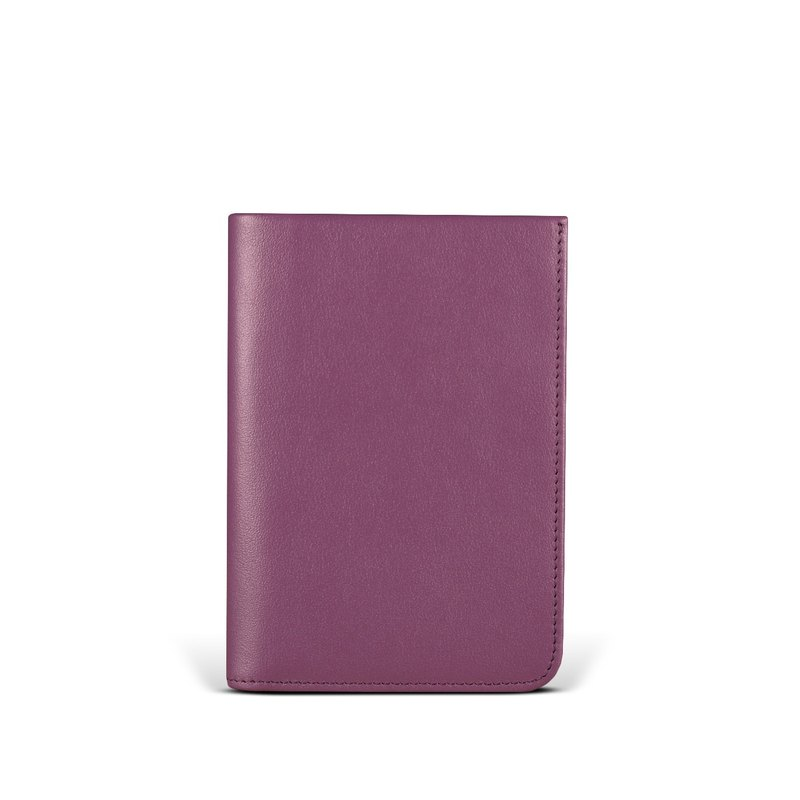 STORYLEATHER Spot Voyager Passport Holder Style 91157