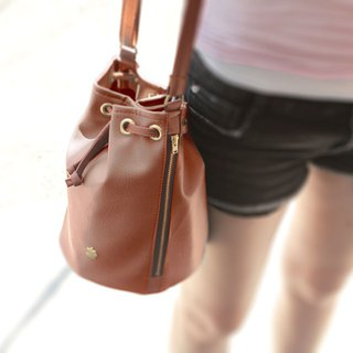 Promotion - CLM lightweight bucket bag _ camel price 1290 / special 990