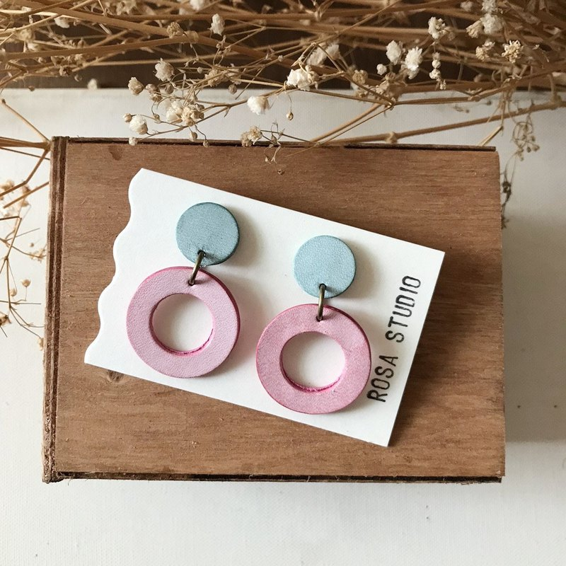 Leather earrings │ ear pin type │ big round 3 works _ mint green take cherry powder