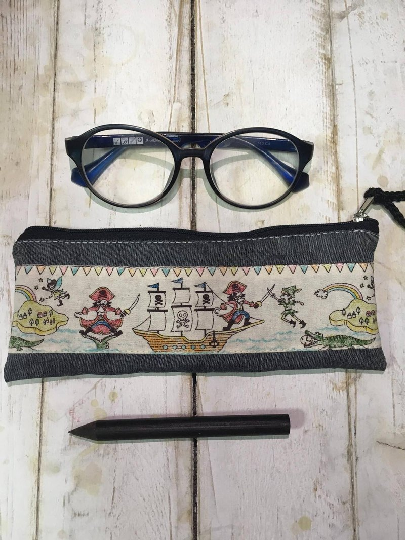 Peter Pan Captain Hook Childlike Glasses Bag Pen Bag Cutlery Bag