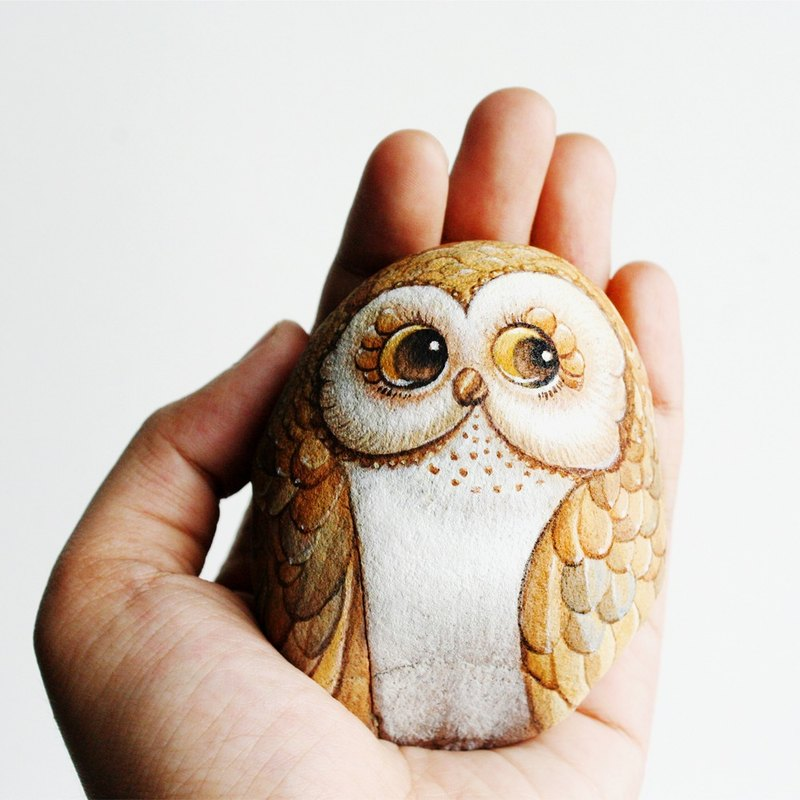 Lovely Owl stone painting.