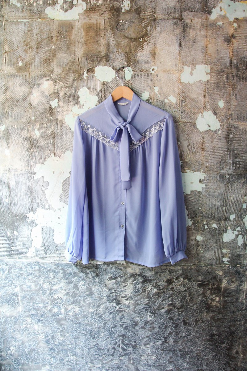 袅袅 department store -Vintage blue purple lace-up lace shirt retro