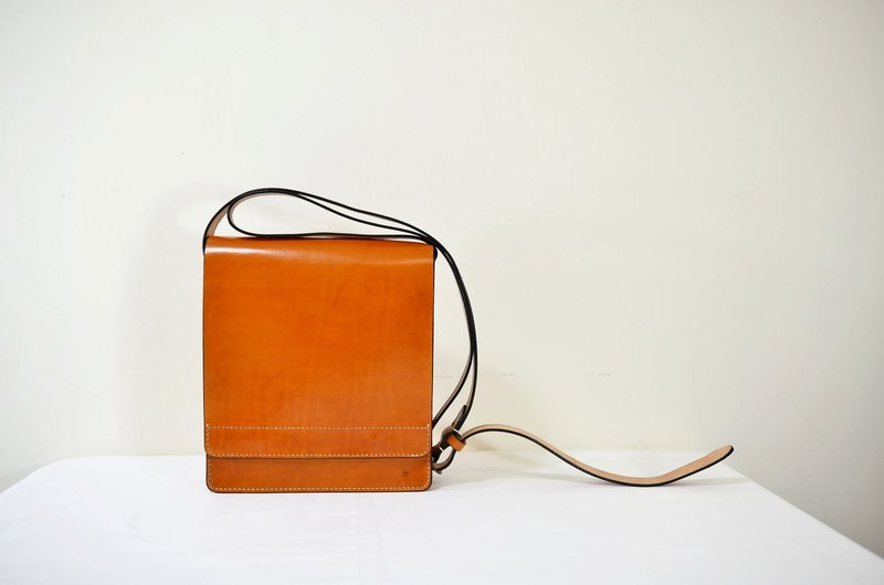 """MY HAND'S Leather Craft"" - Shoulder Bag - Hand Dyeing - Hand Sewing"