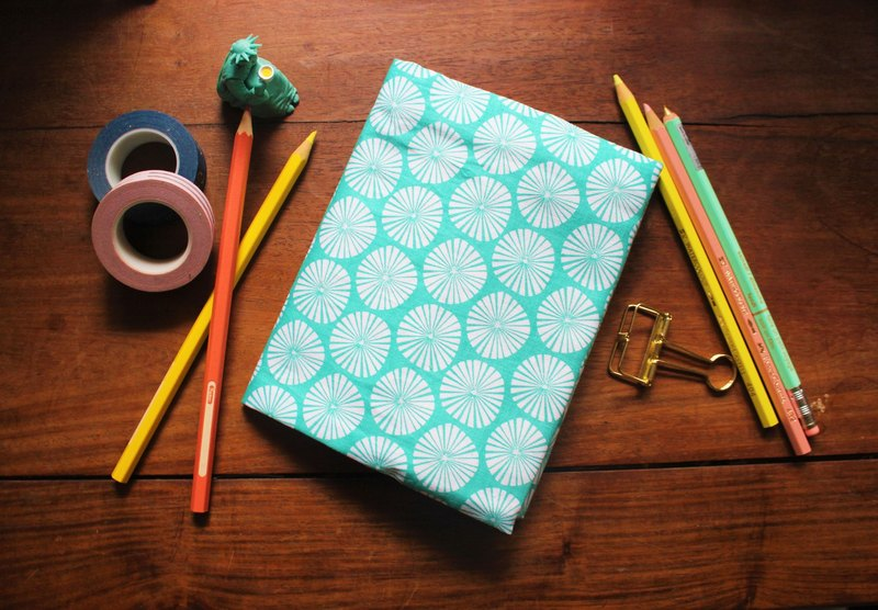Hand clothes for the book [Japanese] round floral pattern 50k / A6