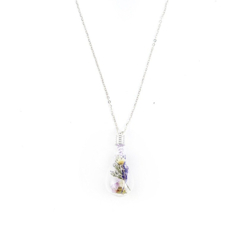 Flower says I dried flower bulb necklace