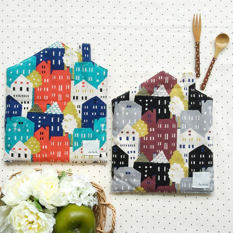 Fairytale town house insulation pad