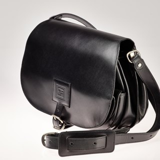 Vegetable-tanned leather big saddle bag
