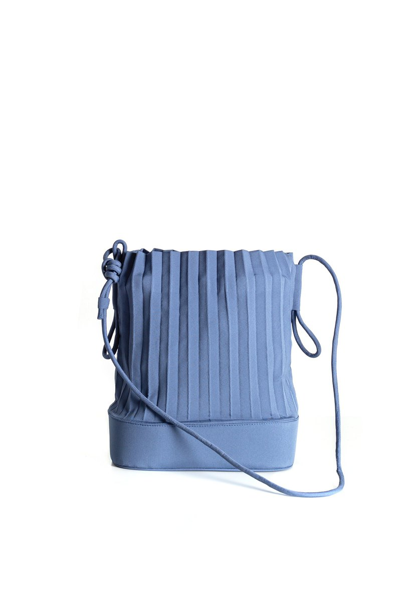 aPaddy Bucket Bag in Marine Blue