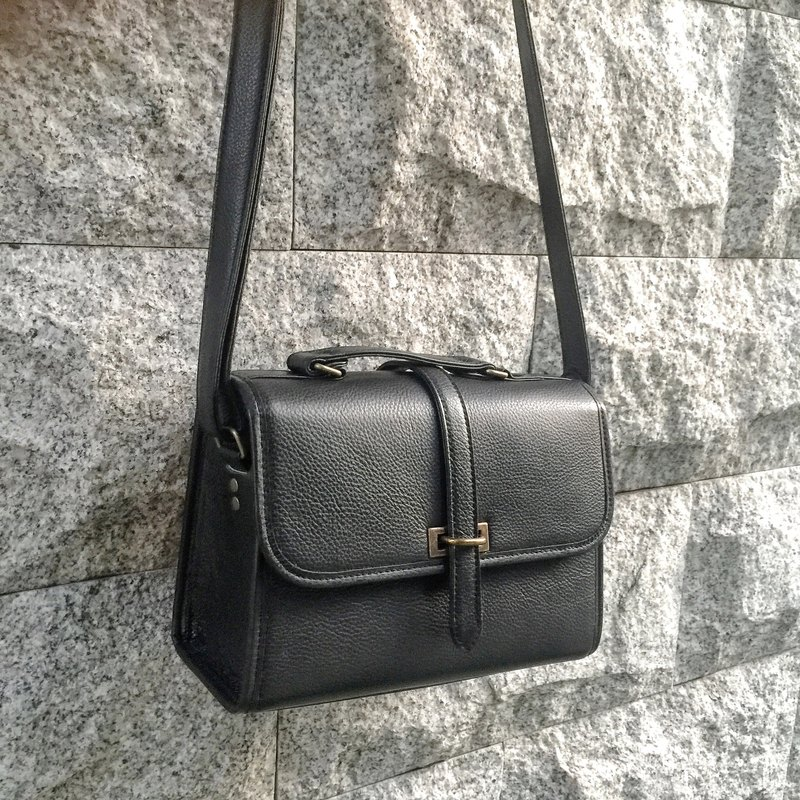 Sienna leather business buckle square bag (waterproof office) * suitable for office workers bag
