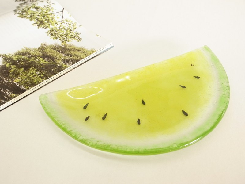 Highlight Also Come - Cut Half Watermelon Glass Pan / Yellow