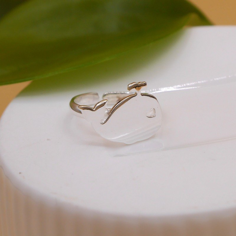 Handmade Little Whale Ring - Silver plated on brass