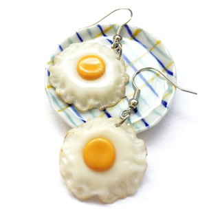 Fried egg earring 3