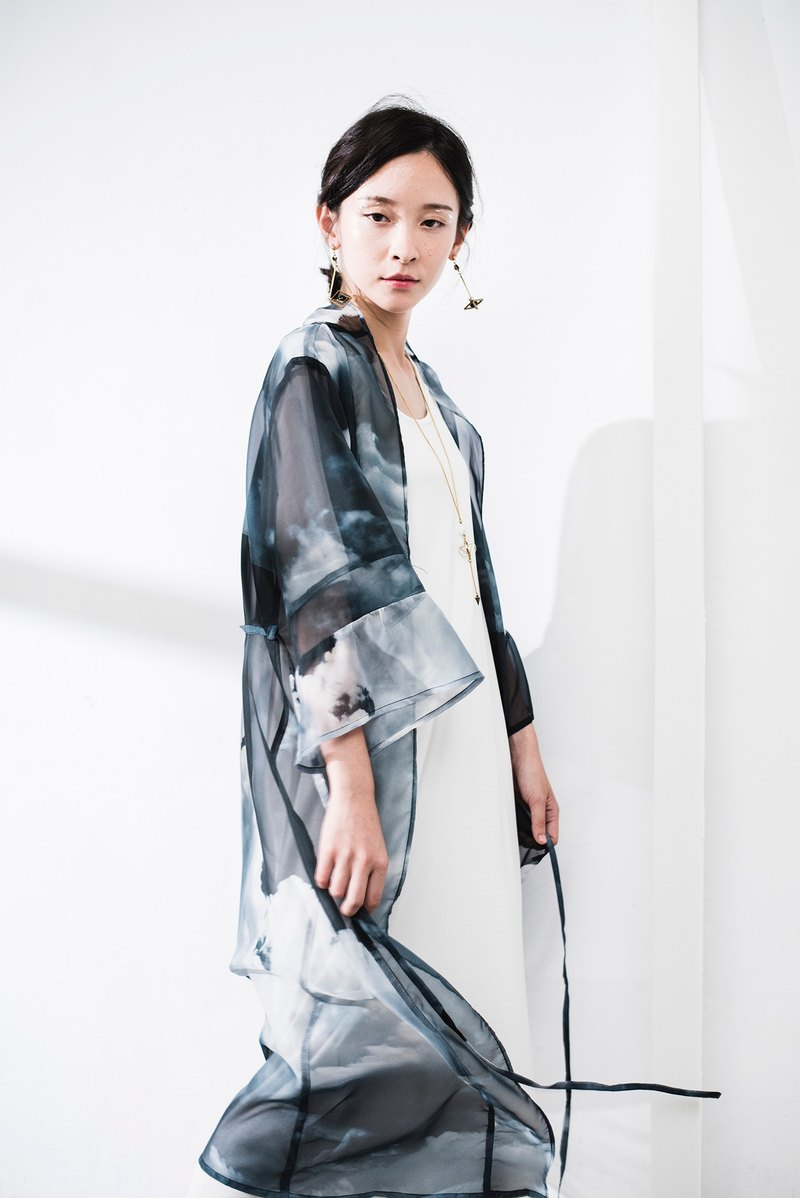 JUBY CHIU / horizon a cloud Japanese blouse