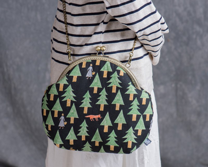 [Fairy tale in the forest] retro metal mouth gold bag - big section #随包# cute