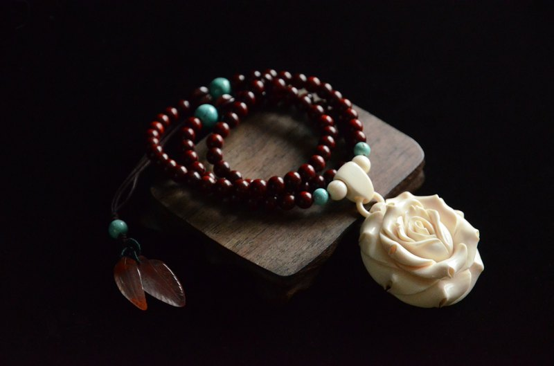 [White Rose] Natural Mammoth Ivory Carved Rose Romantic Classic Necklace