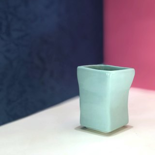 small square cup