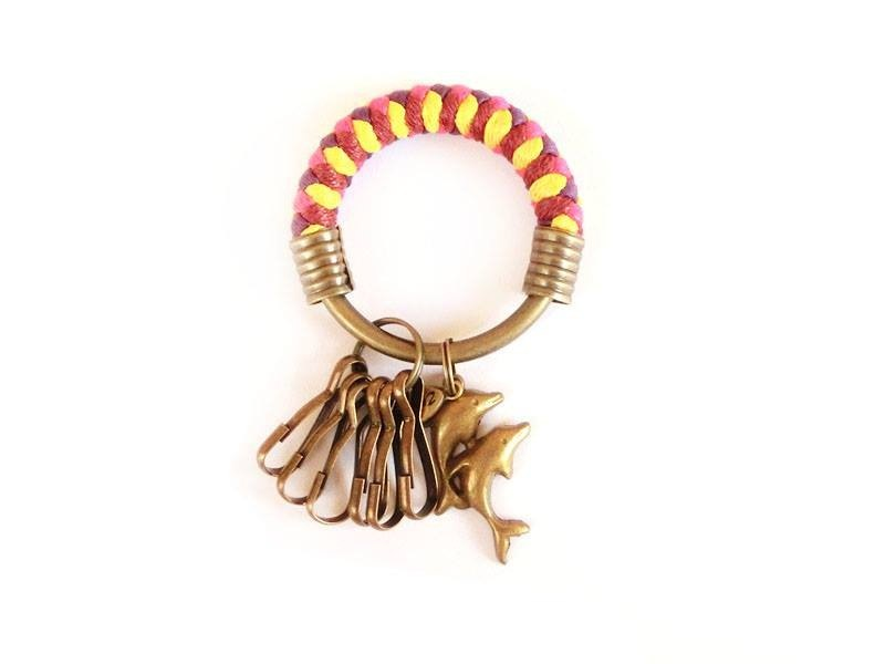 Key ring (small) 5.3CM wine red + peach red + bright yellow + purple + jumping double dolphin hand-woven wax rope