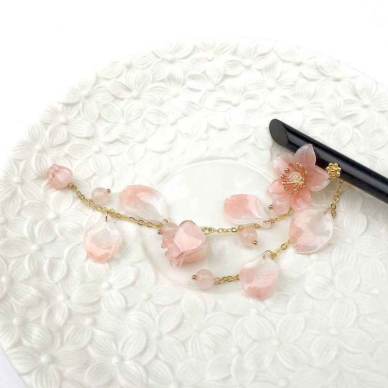 [Ink] Sakura. Hand made cherry blossoms. Smudge cherry powder. Hibiscus / wind breeze / kimono hair accessories