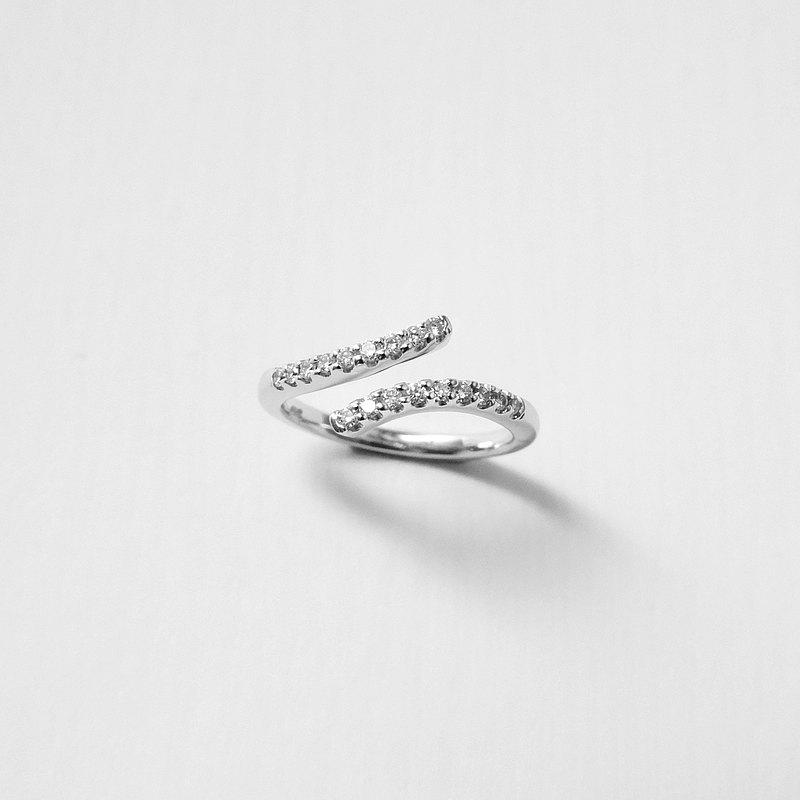 18K金鑽戒 750手工製作 天然鑽石 俐落-簡約流線戒-