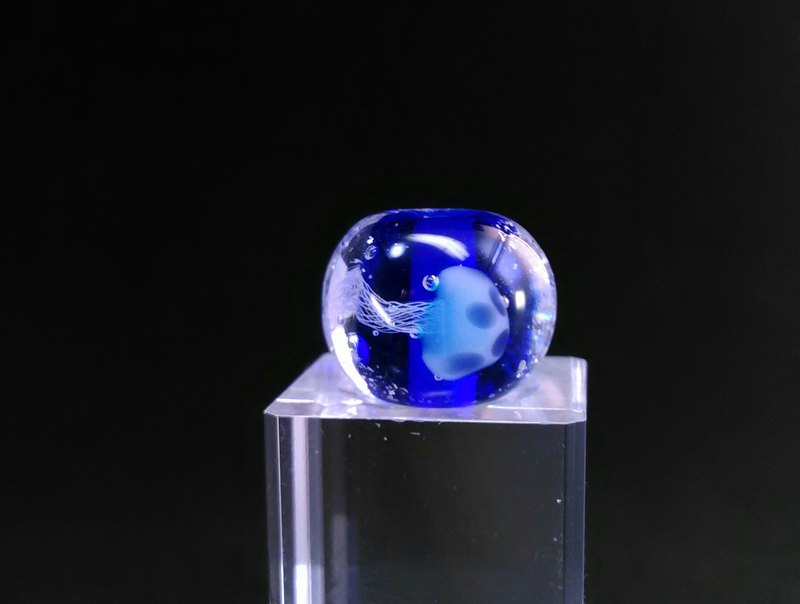 Jellyfish glassbeads