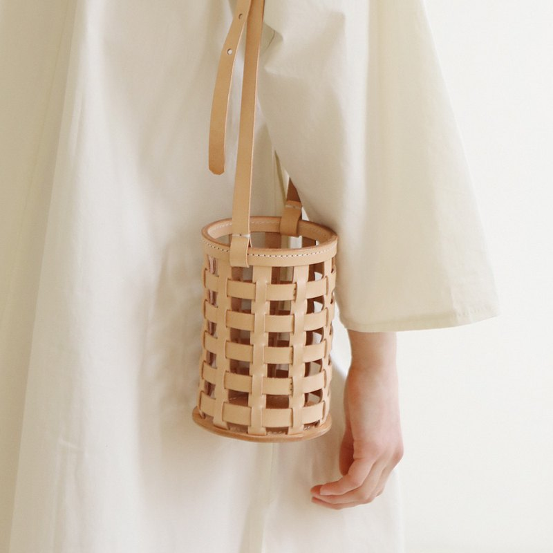 JOYDIVISION single shoulder handmade leather straight woven bucket bag simple fresh wild handbag