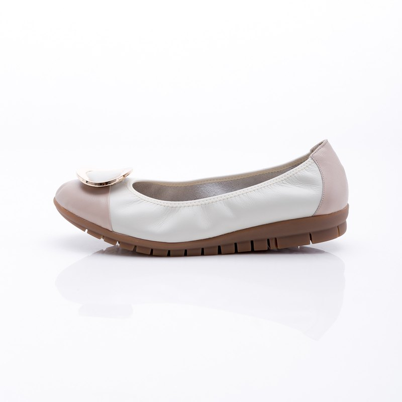 Large size women's shoes 41-45 Made in Taiwan metal round buckle contrast leather flat shoes 2.5cm skin color