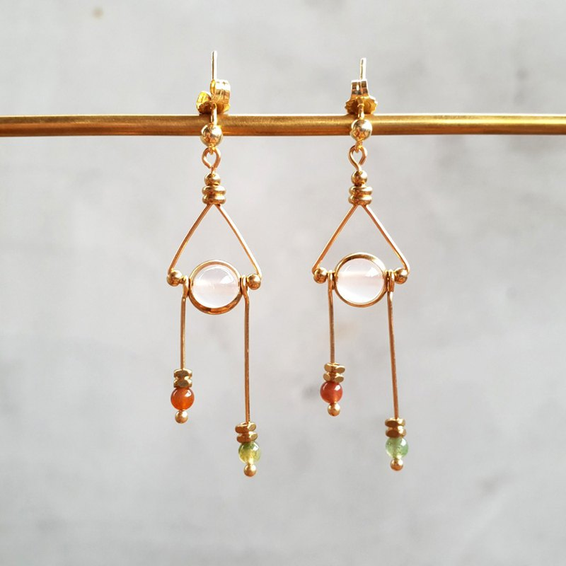 [Triangle Libra] Triangle White Agate Indian Agate Brass Earrings