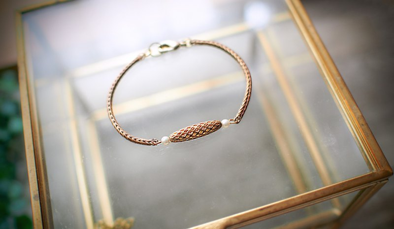 Ellipse beads small pearl brass bracelet
