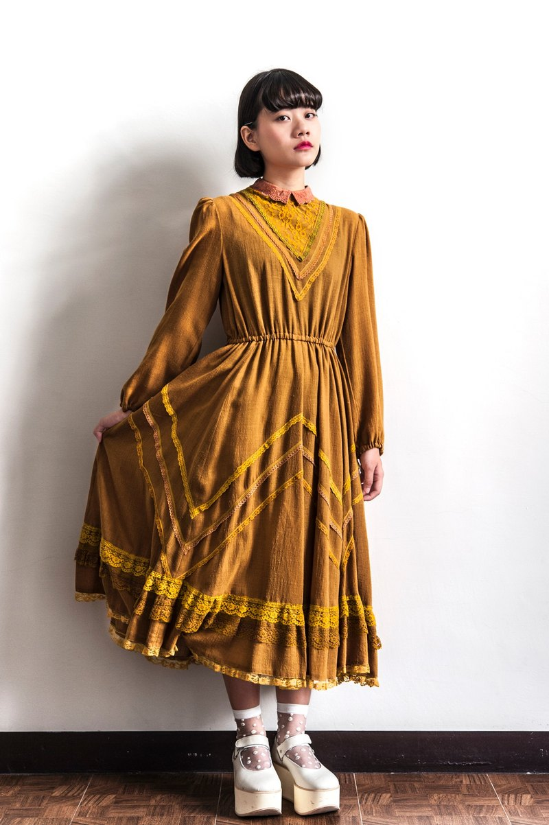 Vintage Caramel Lace Ancient Long Sleeve Dress