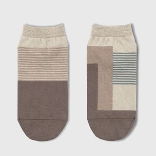 socks_greyishwood / irregular / socks / stripe