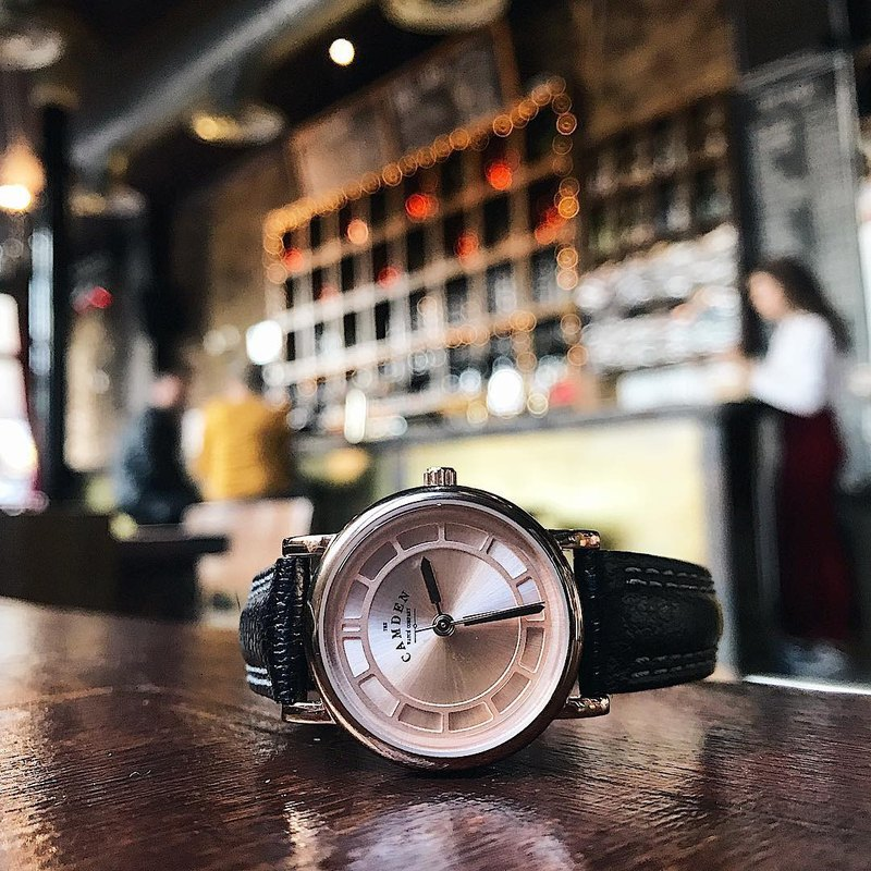 Camden Watch NO24 series of pure British black gold rose gold strap elegant and elegant leather watch