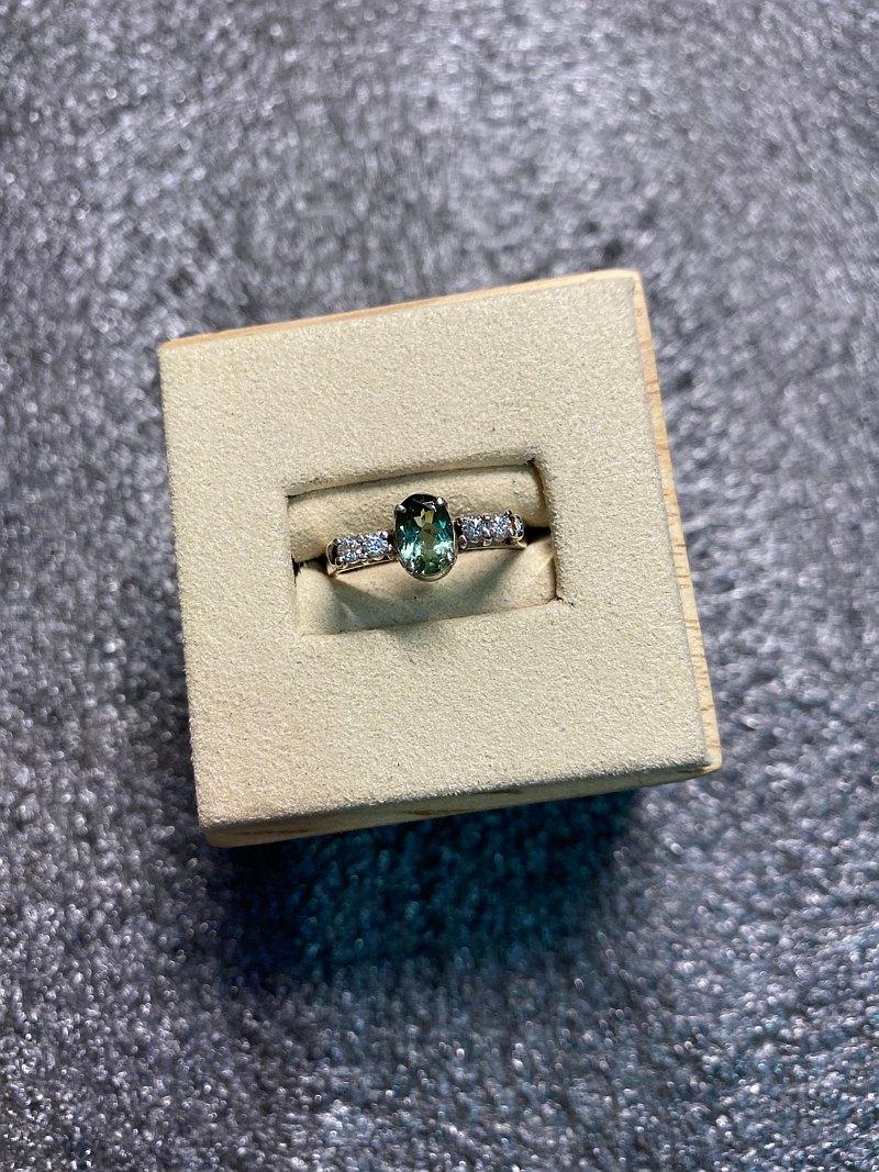 綠色 碧璽 典雅 戒指 尼泊爾 手工製 925純銀