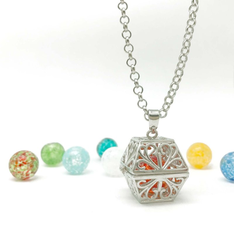 Diffuser Locket Necklace - Openwork Treasure Chest Inside 12mm Snowflake Bead