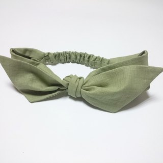 Green and green leaf surface with a French style windband self-binding*SK*