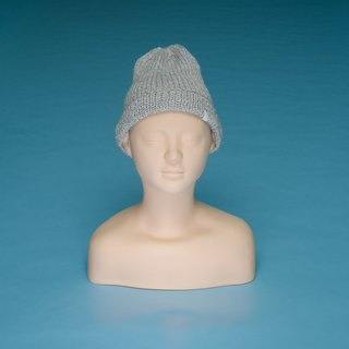 Thin and light - gray LT01 hand-knitted cap