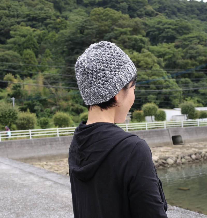 Wool knit cap / gray / white / yuoworks